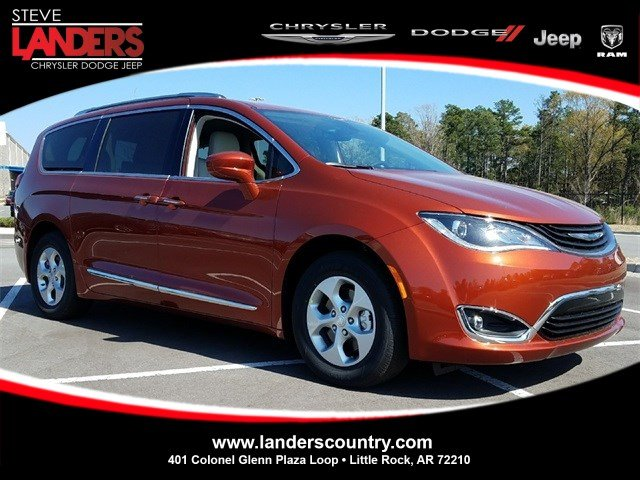 New 2018 CHRYSLER Pacifica Hybrid